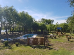villa paranacito, carrozas nauticas, ivy maray, paranacito delta, cabañas, pileta