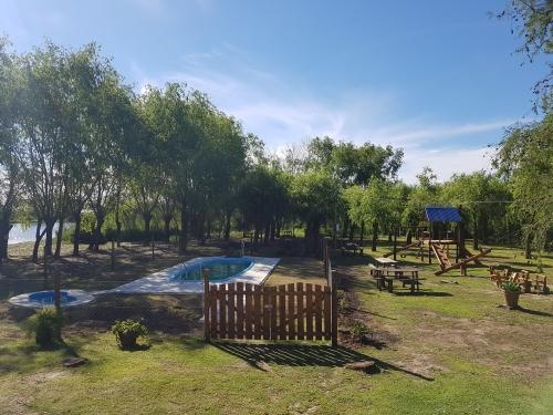 villa paranacito,paranacito,turismo,bungalows,cabañas,tigre, pileta